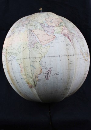 Betts's new portable terrestrial Globe. BETTS